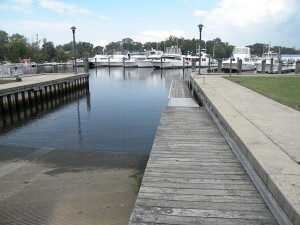 Large boat ramp with a loading dock