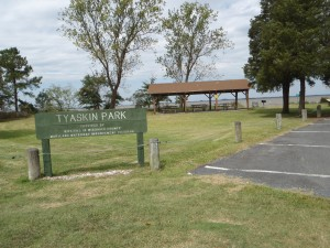 Tyaskin Park Sign